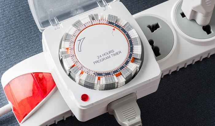 aquarium light with built-in timer